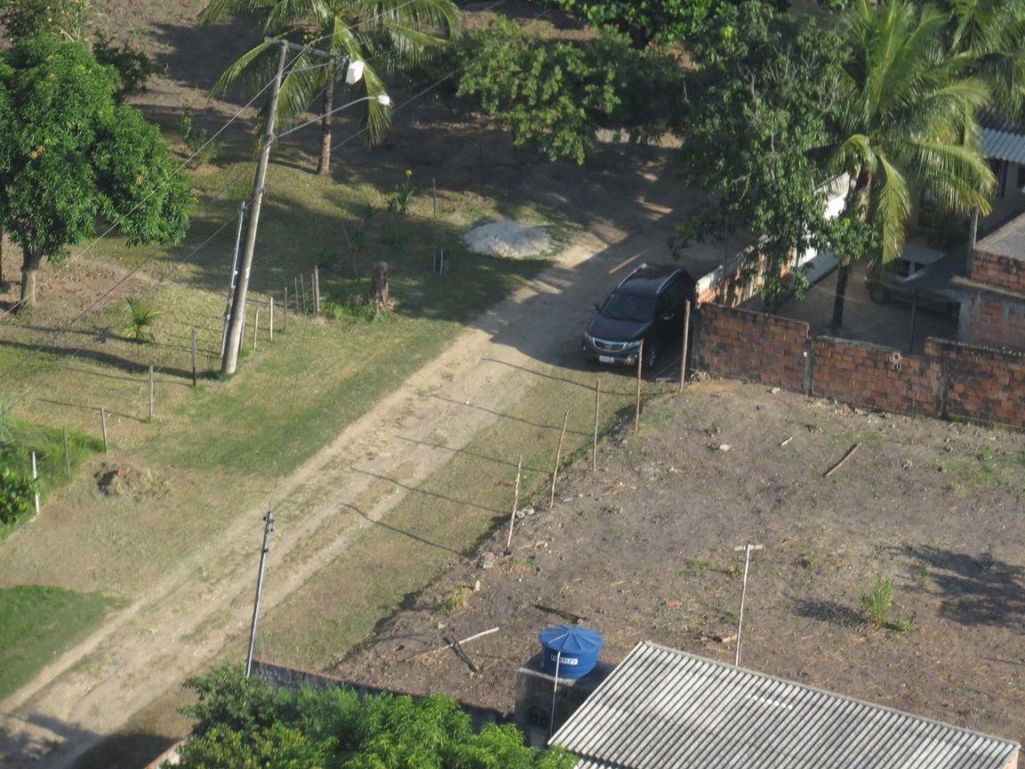 Bandidos atiram em em helicóptero da PRF que, para não colocar pessoas em risco, aguarda a PM agir. Carros de luxo e carga roubados!