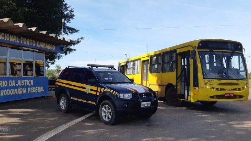 MULHER sem habilitação adequada dirigia ônibus com 1,8 tonelada de maconha